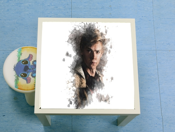 table d'appoint Maze Runner brodie sangster